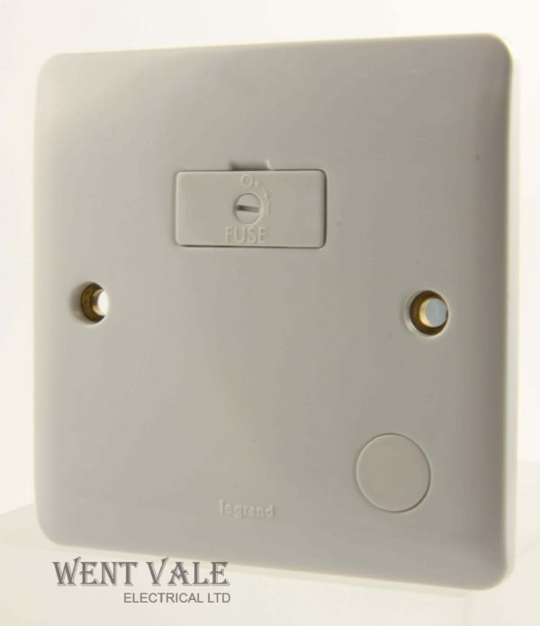Legrand Synergy - 7300 32 - 13a Un-Switched Fused Spur + Flex Outlet New